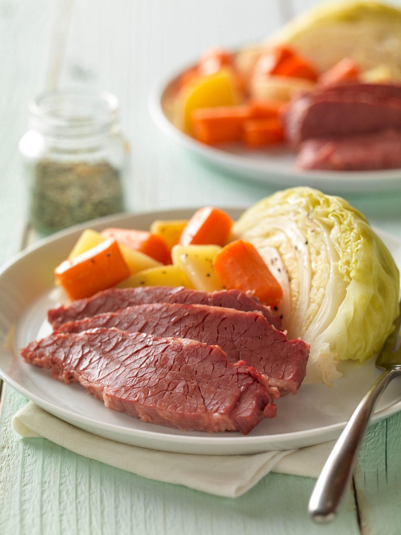 Classic Corned Beef with Cabbage and Potatoes – Recipes ...