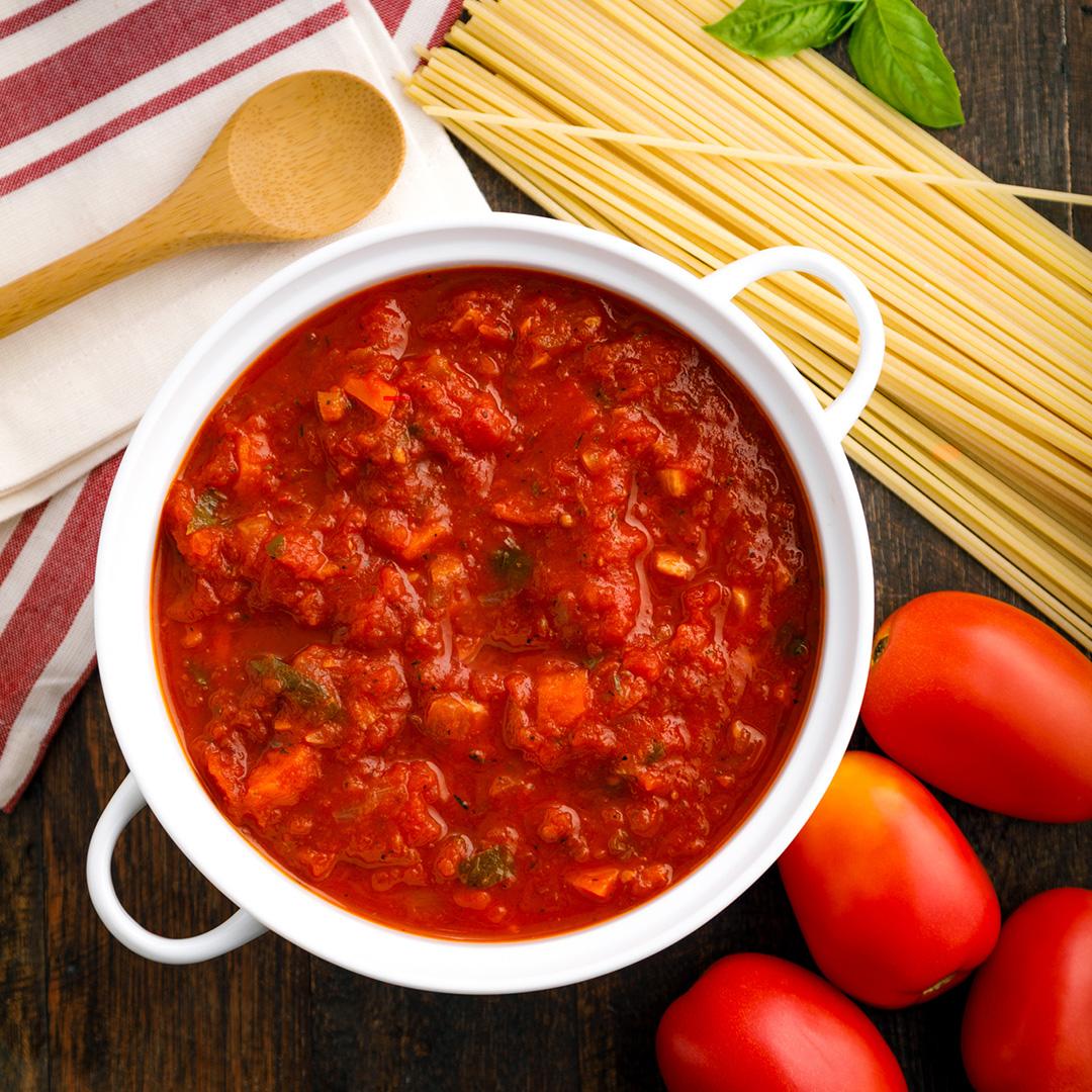 Easy marinara dipping sauce with tomato paste