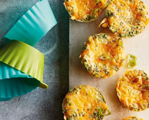 instant pot egg muffins, instant pot egg bites, instant pot broccoli cheddar egg muffins, instant pot breakfast