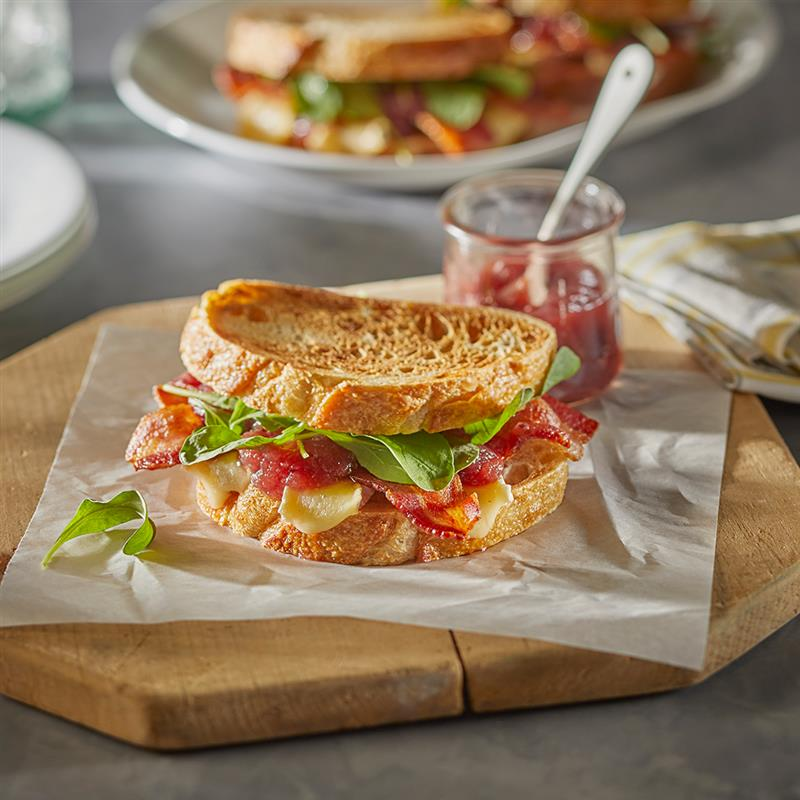 Sandwich, Bacon, Apple, and Brie Sandwich