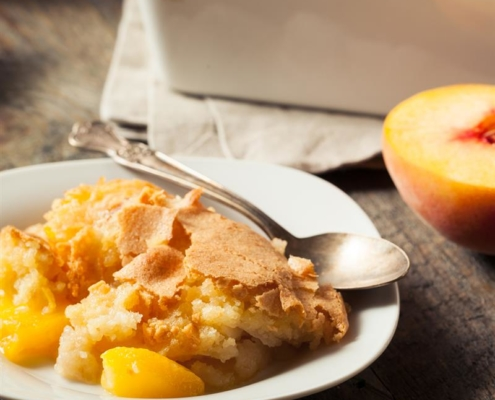 Slow Cooked Peach Cobbler