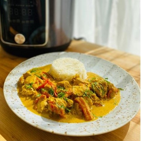 Slow Cooked Coconut and Chicken Curry