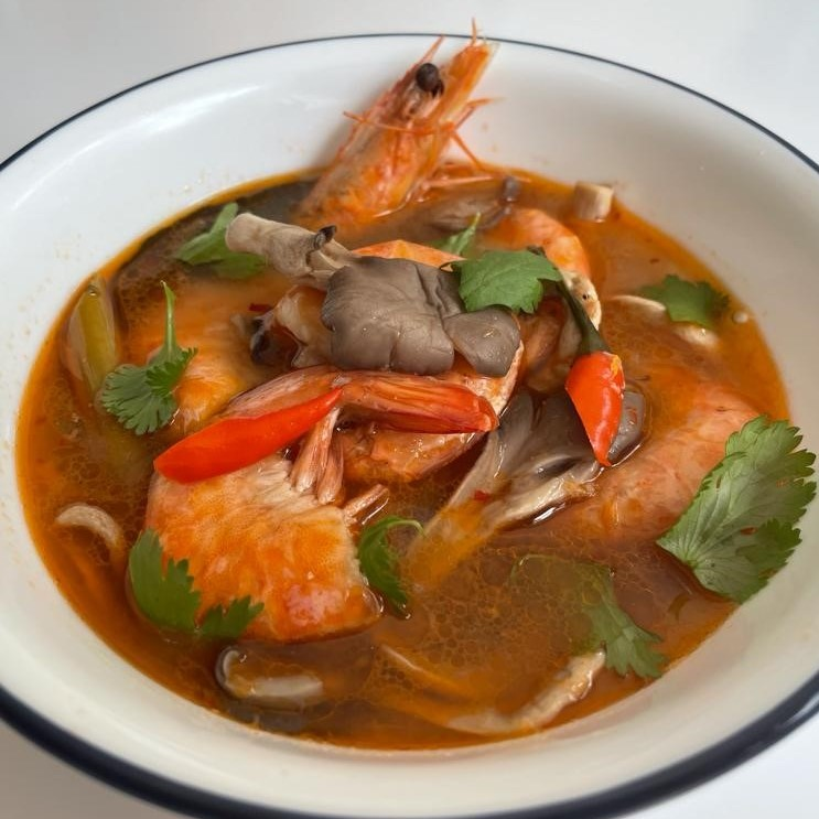 Slow Cooked Thai Shrimp Soup (Tom Yum Goong)