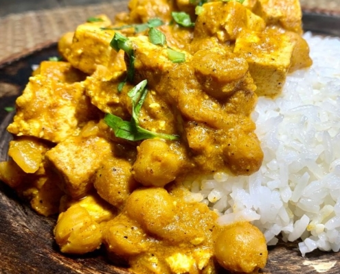 Slow Cooked Butter Chickpea Curry